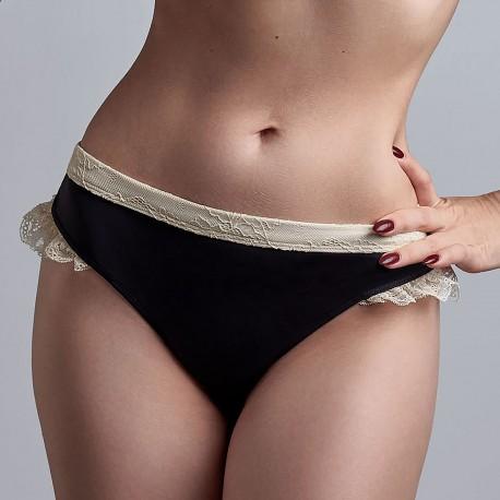 Une déesse en sous-vêtements